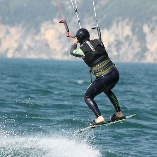 freestyle-kite-gardakitesurf-gallery-10