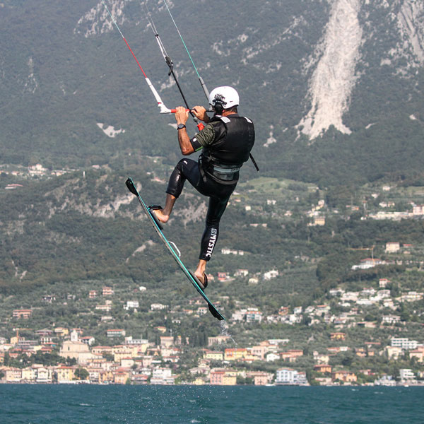 freestyle-kite-gardakitesurf-gallery-4