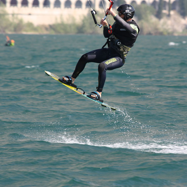freestyle-kite-gardakitesurf-gallery-8