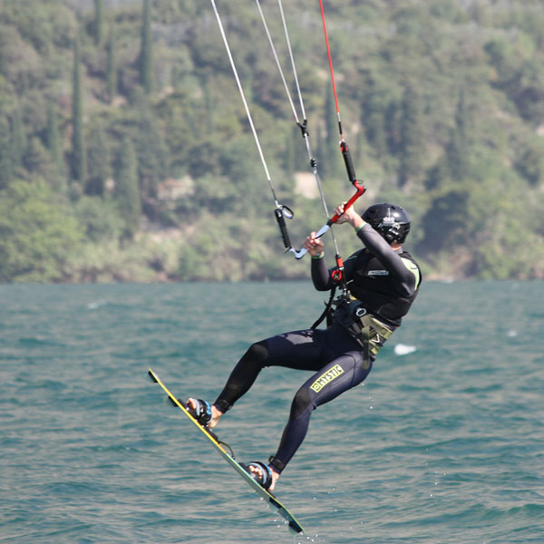 freestyle-kite-gardakitesurf-gallery-9