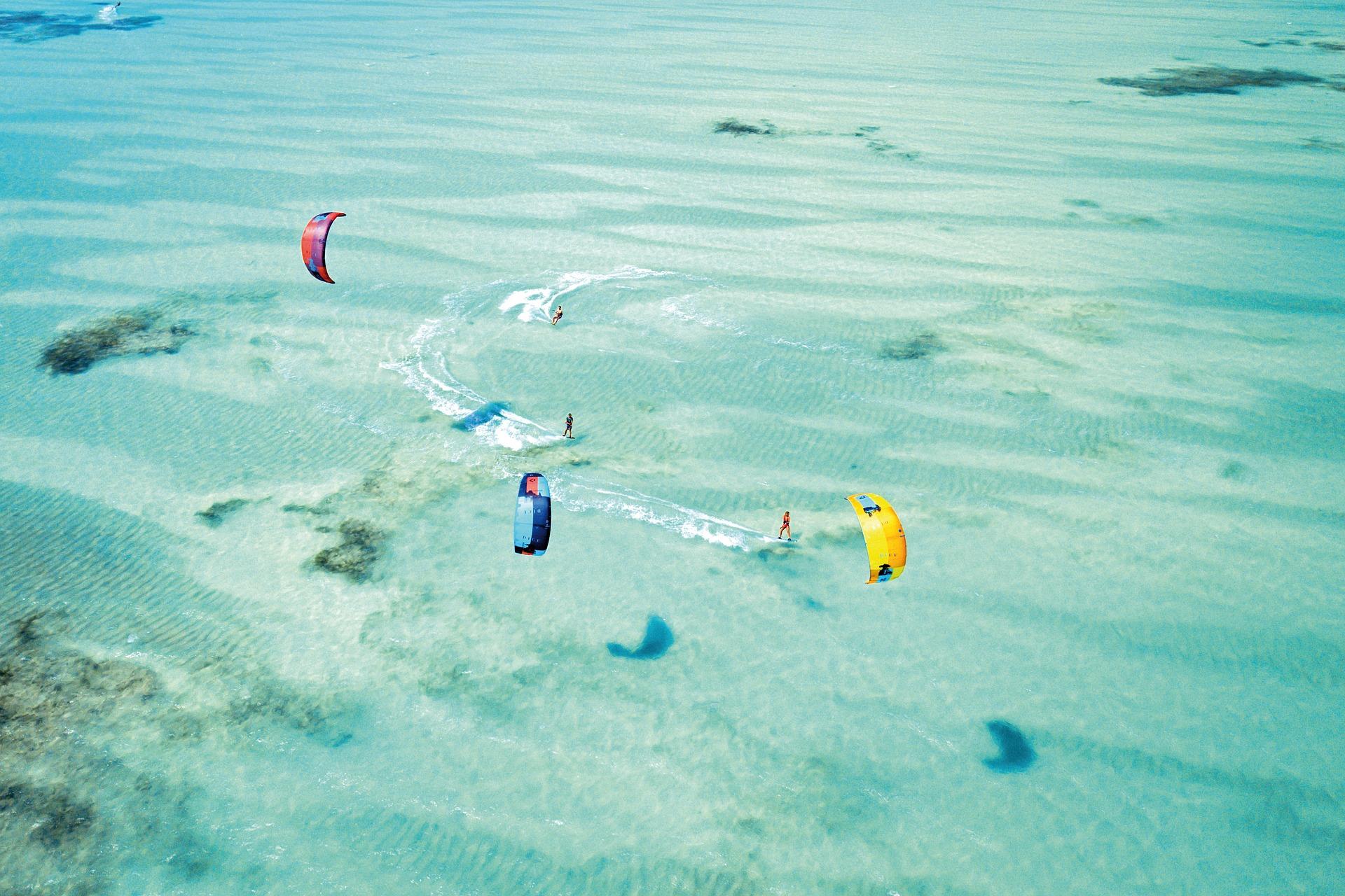 Cosa sapere sul kitesurf: da come nasce fino alle Olimpiadi 2024