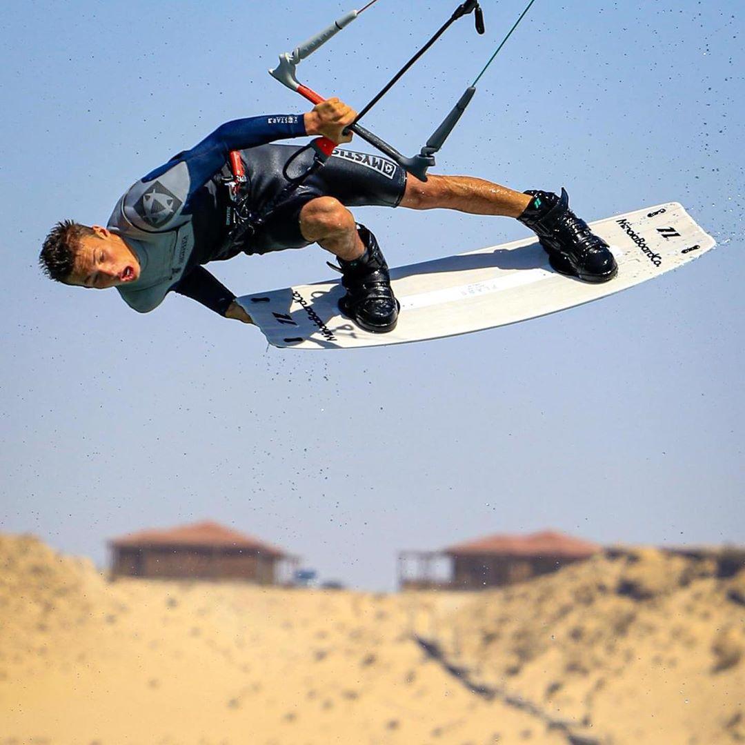"""<h3 style=""""text-align: center;"""">Matteo Dorotini</h3> <p>Ruolo in GKS: Atleta / Ambassador / Coach<br /> Nato a: Venezia<br /> Quando: 2002<br /> Kitesurf dal: 2013<br /> Spot Kite preferito: Dakhla Marocco<br /> Disciplina preferita: Freestyle<br /> Viaggi kite nel mondo: Brasile, Marocco, Capo Verde<br /> Passioni oltre al kite: Surf, Skate, Snowboard</p>"""